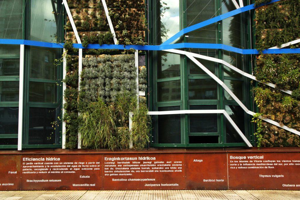 Vitoria Palacio de Congresos - Urbanarbolismo