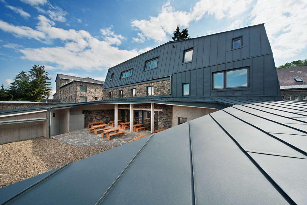 Mountain Hut - Nartarchitects